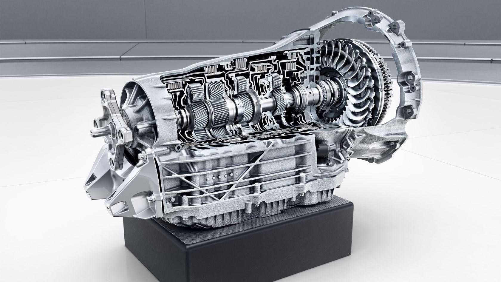 Новые технологии моторов и автоматов у Mercedes-Benz